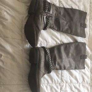 Grey boots.